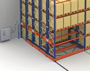 Преимущества складских стеллажей